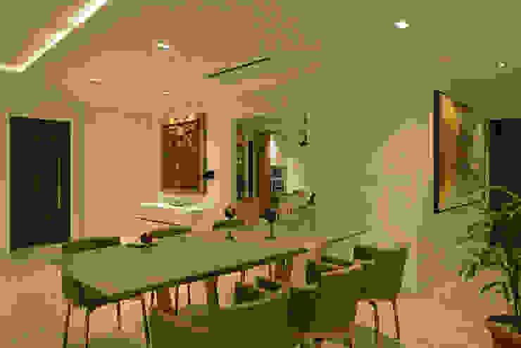 Salas de jantar minimalistas por homify Minimalista Vidro