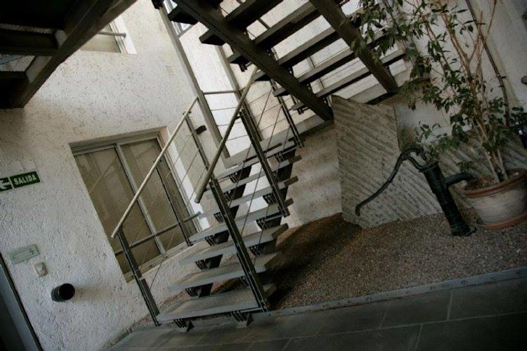 EDIFICIO MODIGLIANI Pasillos, vestíbulos y escaleras modernos de sm arquitectura Moderno