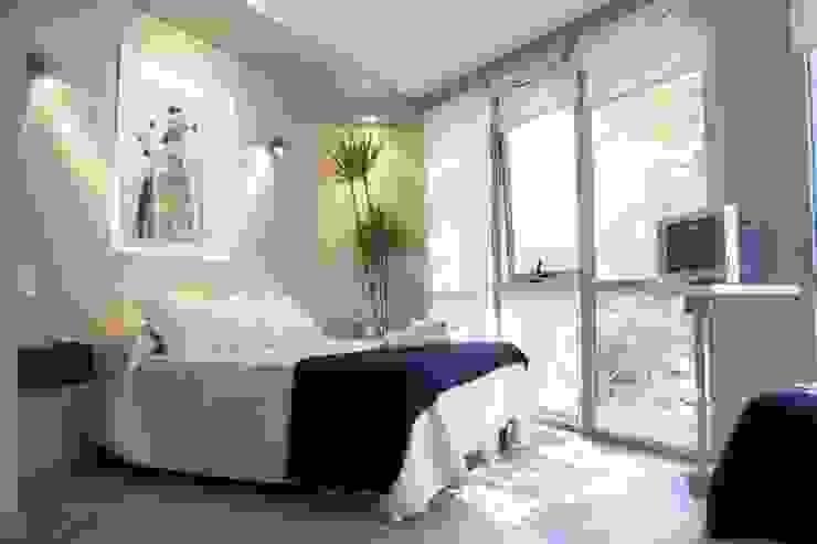 Dormitorios de estilo moderno de sm arquitectura Moderno