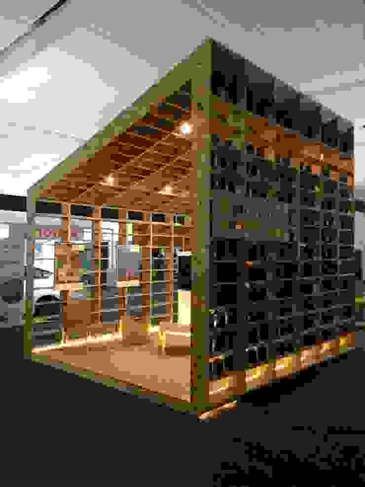 NIKOLAS BRICEÑO arquitecto Centros de exhibiciones