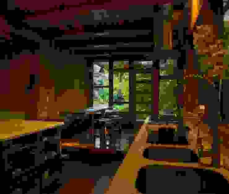 Artefactos Cocinas de estilo rústico de PhilippeGameArquitectos Rústico Madera Acabado en madera