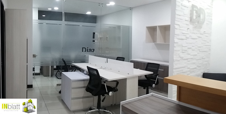 Diseño Arquitectónico y Construcción Oficinas D&D Abogados Asociados de INblatt _Arquitectura Moderno