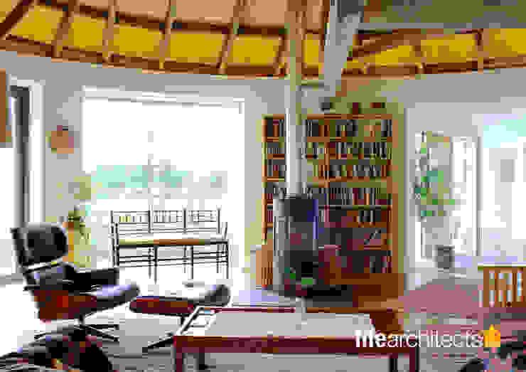 Mill conversion Living room Livings de estilo moderno de Fife Architects Moderno