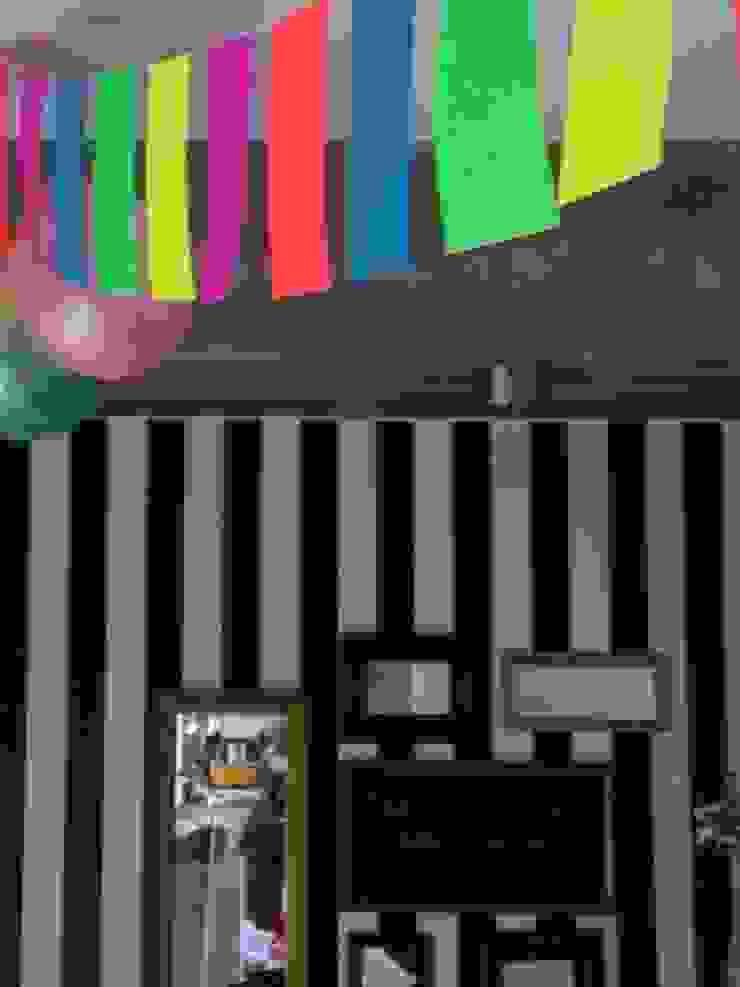 Casa de madera en VILLA ELISA – La Plata Dormitorios infantiles rústicos de juan olea arquitecto Rústico