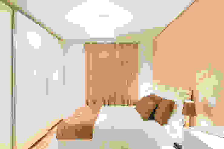 Modern style bedroom by Liliana Zenaro Interiores Modern MDF