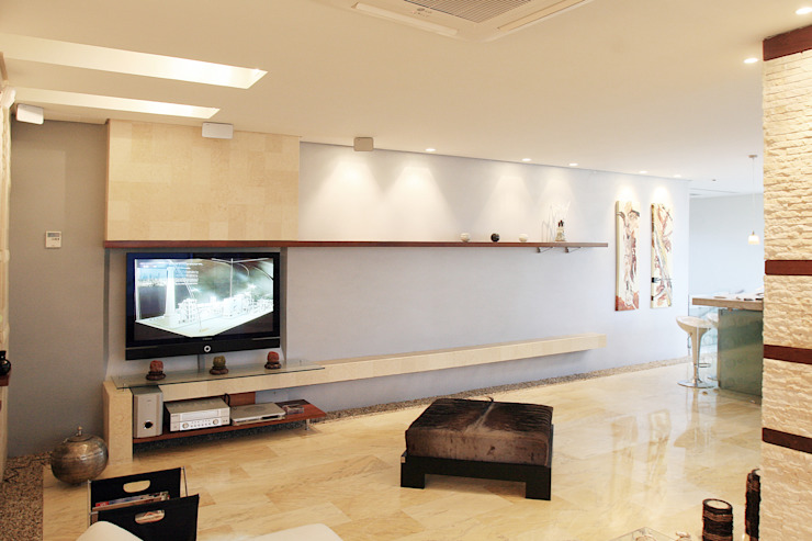 Living room by Arq Renny Molina,