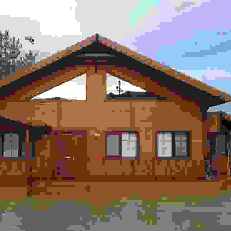 Casas de estilo rural de SİSNELİ AHŞAP EV - AĞAÇ EV - KÜTÜK EV - BUNGALOV -KAMELYA Rural