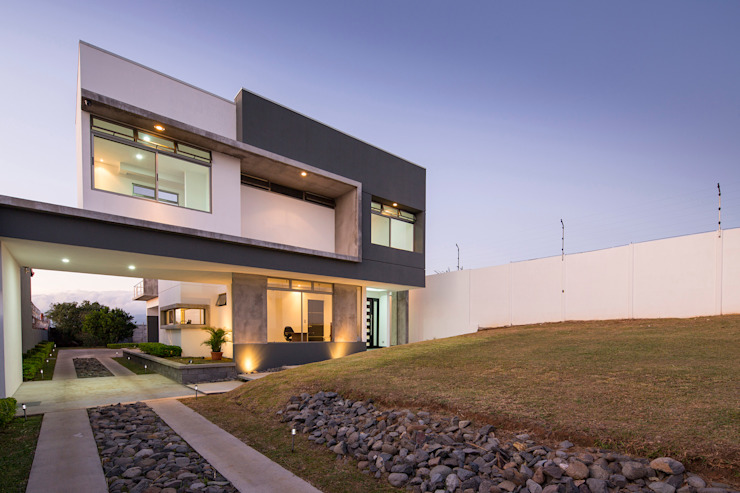 J-M arquitectura 의  주택, 모던
