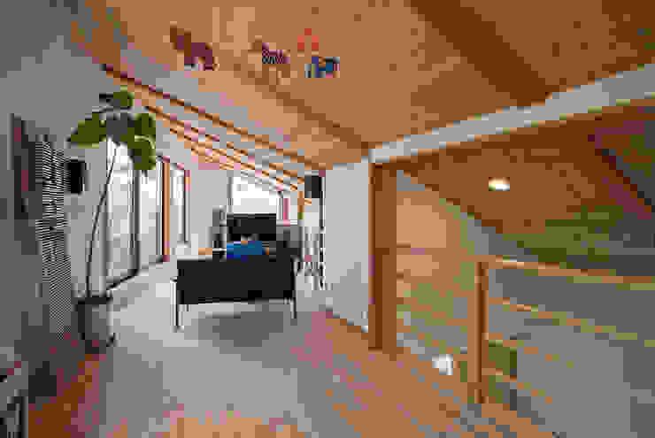 Ruang Keluarga by ATELIER N