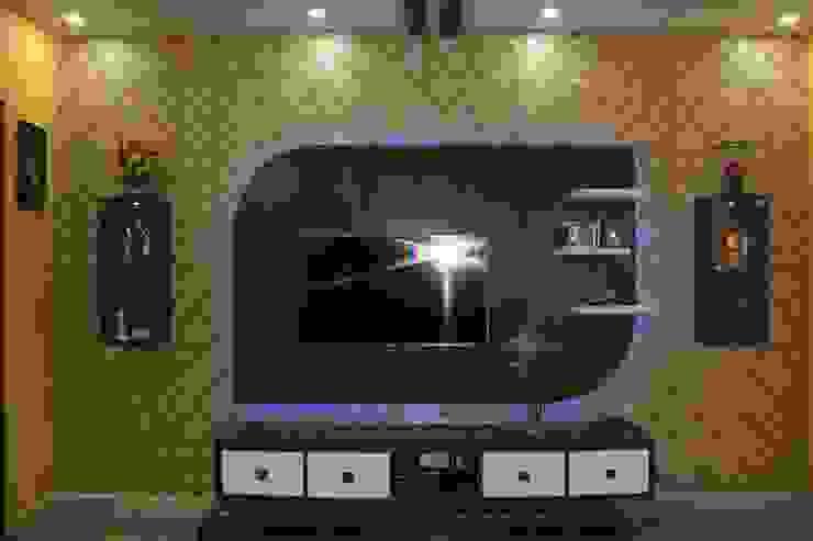BhubanaGreenLeavingHallTVUnit: classic  by Uniheights Interio PVT LTD,Classic