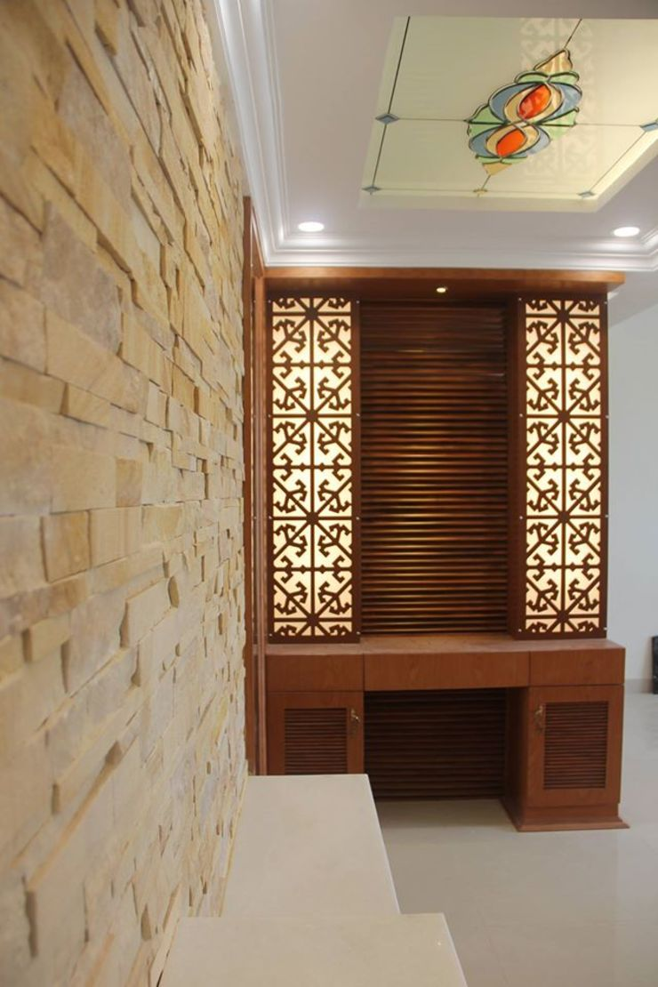 SNNRajLakeViewFoyerEntranceCladding: classic  by Uniheights Interio PVT LTD,Classic