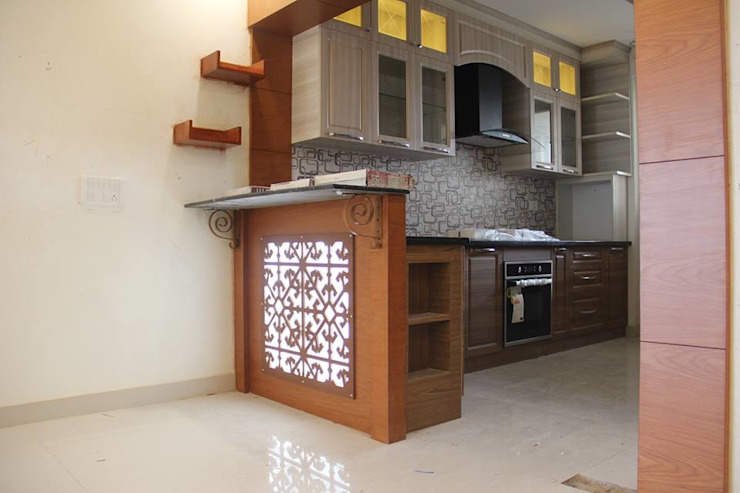 SNNRajLakeViewModularKitchen: classic  by Uniheights Interio PVT LTD,Classic