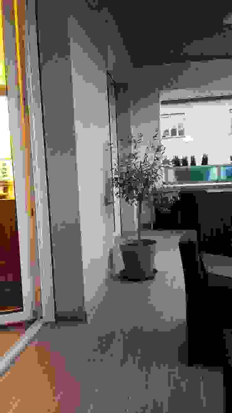 Cubisoft Modern balcony, veranda & terrace