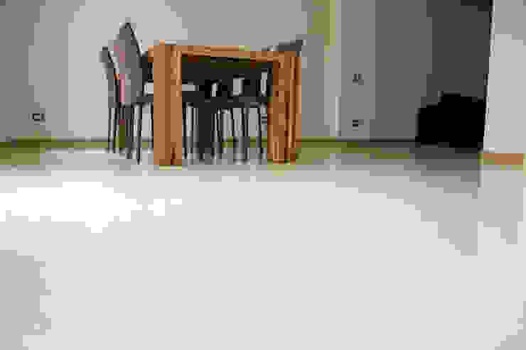 Modern dining room by Quintarelli Pietre e Marmi Srl Modern Stone