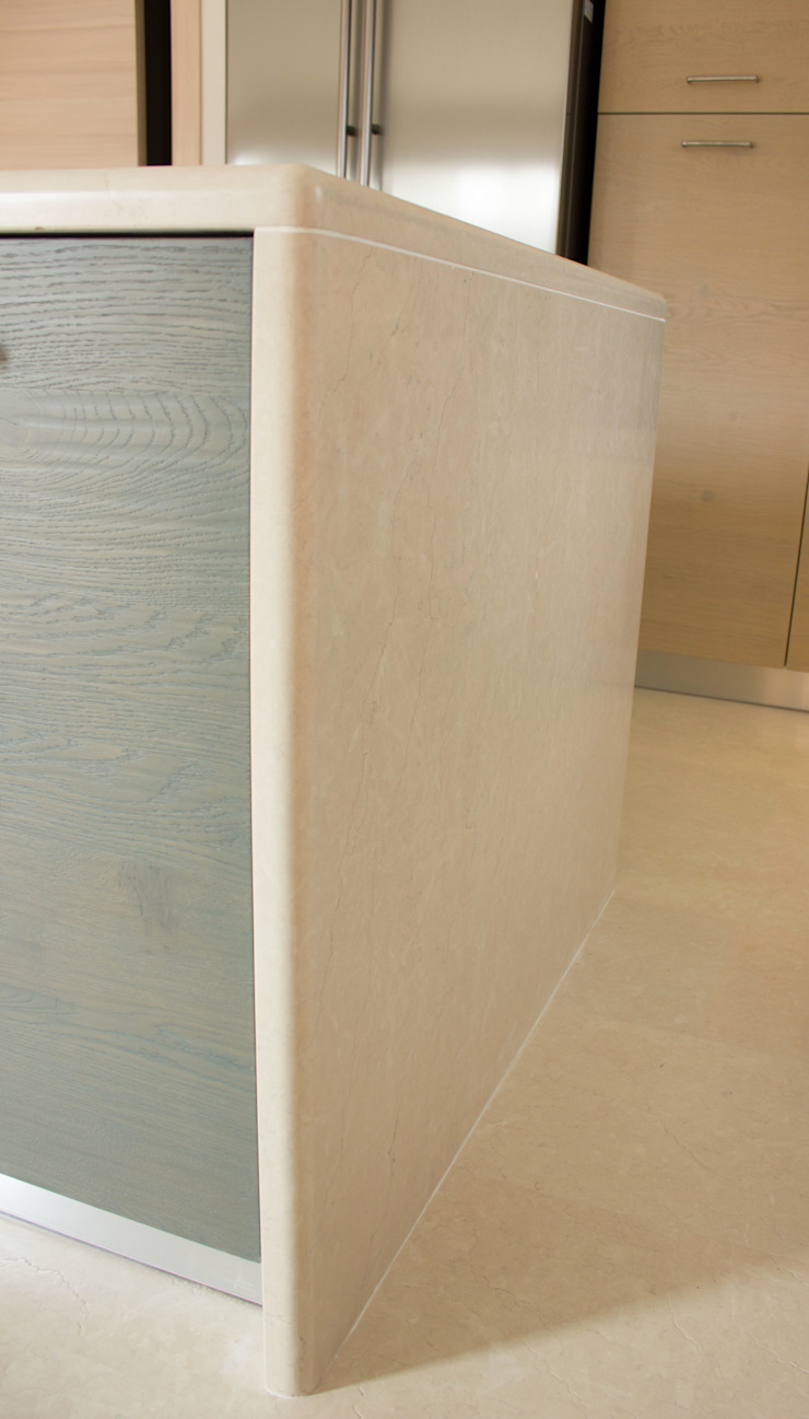 Quintarelli Pietre e Marmi Srl Baños de estilo moderno Piedra Blanco