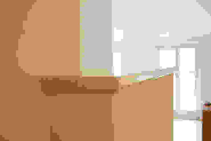 Quintarelli Pietre e Marmi Srl Salas de estilo moderno Piedra Blanco