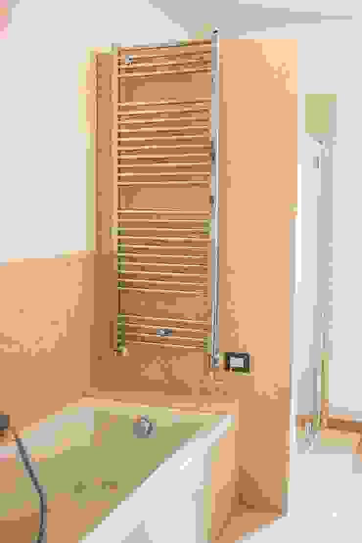 Modern bathroom by Quintarelli Pietre e Marmi Srl Modern Stone