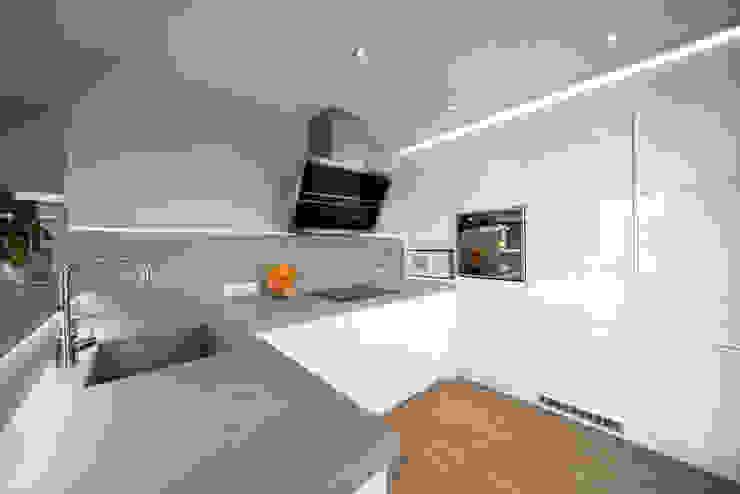 Réhabilitation intérieure et extérieure d'un appartement à la Croix-Rousse (Lyon) Cuisine moderne par réHome Moderne