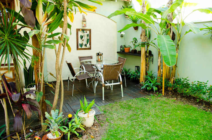 Tropical style garden by ELLIANE FREITAS DESIGN DE INTERIORES Tropical