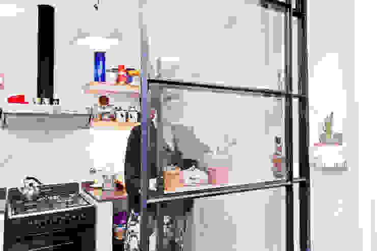 Modern kitchen by CA.ZA Modern