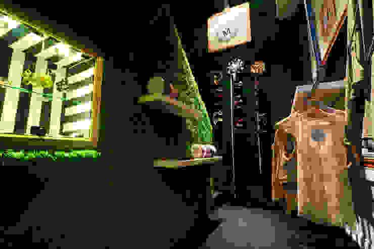 MadamaByMeck Tienda de ropa y accesorios: Espacios comerciales de estilo  por Oneto/Sousa Arquitectura Interior,