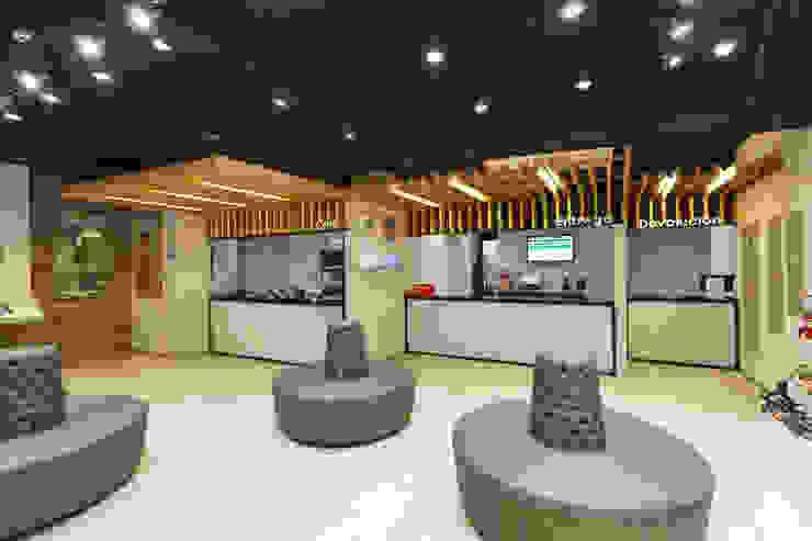 Tienda al por mayor, Calzados Azaleia Peru de Oneto/Sousa Arquitectura Interior Moderno