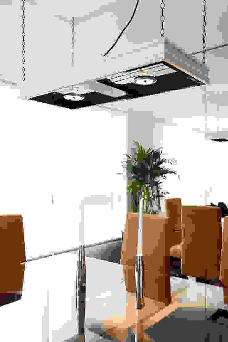 Departamento Doig Comedores de estilo moderno de Oneto/Sousa Arquitectura Interior Moderno