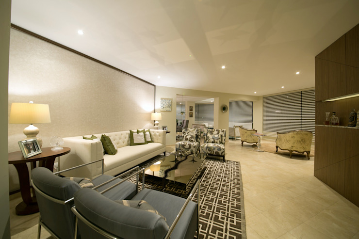 Eclectic style living room by Oneto/Sousa Arquitectura Interior Eclectic