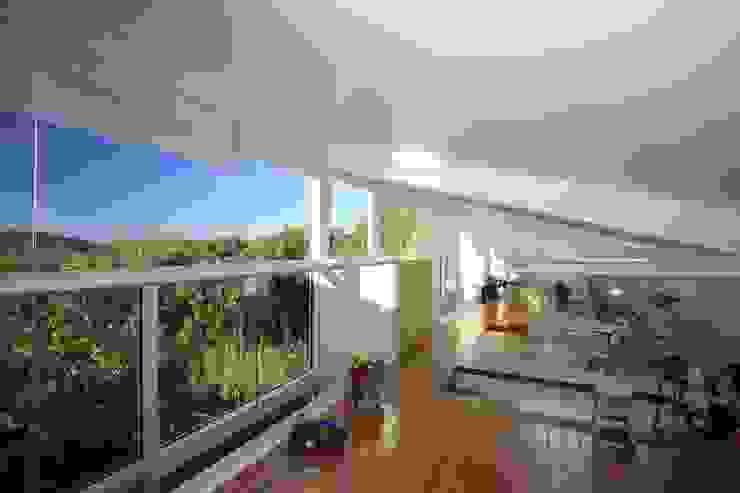 Echauri Morales Arquitectos Nursery/kid's room Wood Wood effect