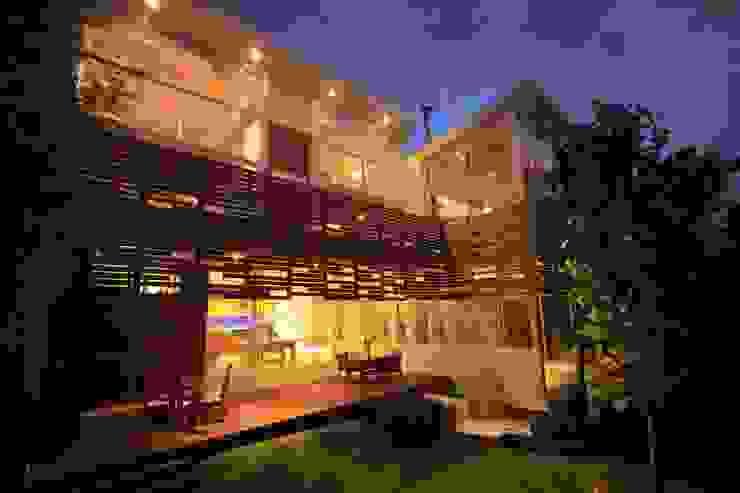 Terraza Balcones y terrazas de estilo minimalista de Echauri Morales Arquitectos Minimalista Madera Acabado en madera