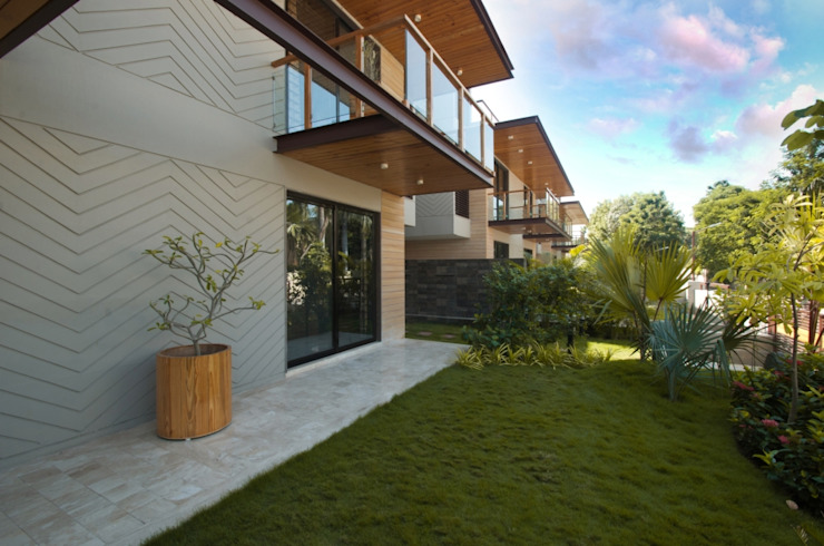 Ahaan Villa—Ahmedabad OPENIDEAS Modern garden
