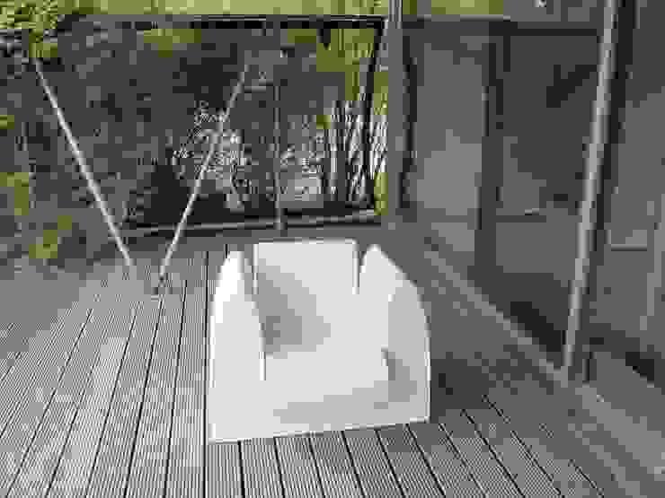 GrandChair: modern  door bv Mathieu Bruls architect, Modern Kunststof