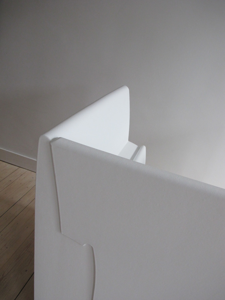 ReadingChair: modern  door bv Mathieu Bruls architect, Modern Kunststof
