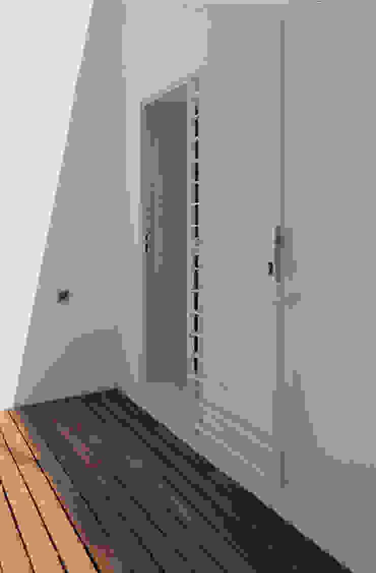 Moderner Balkon, Veranda & Terrasse von acertus Modern