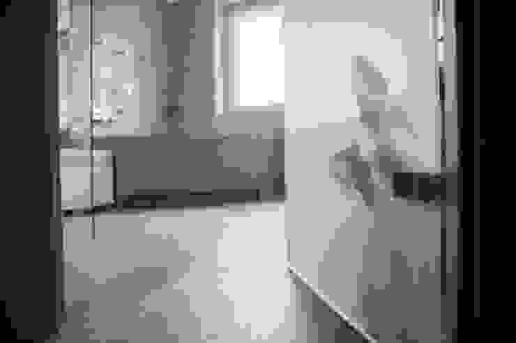 Projekt Kolektyw Sp. z o.o. 現代浴室設計點子、靈感&圖片