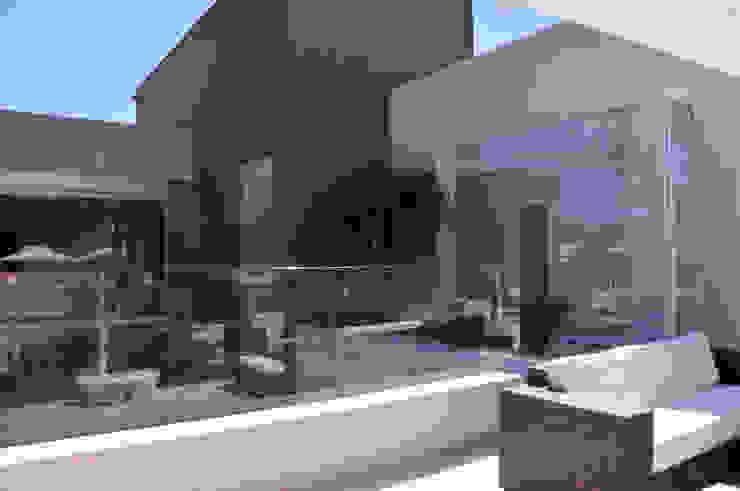 A/ZERO Arquitetura Balcone, Veranda & Terrazza in stile moderno