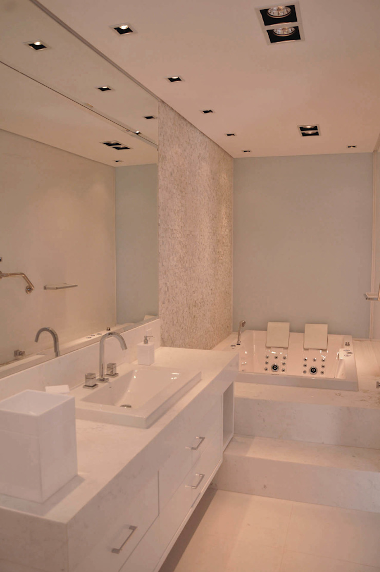 A/ZERO Arquitetura Bagno moderno