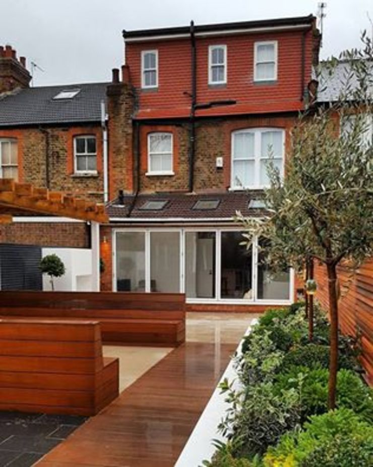 Addition of a Loft Conversion, Rear Extension with bi folding doors and a contemporary garden by IS AND REN STUDIOS LTD