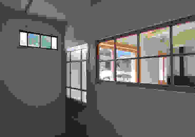 アンティーク建具と新しい建具 モダンな 窓&ドア の (株)独楽蔵 KOMAGURA モダン