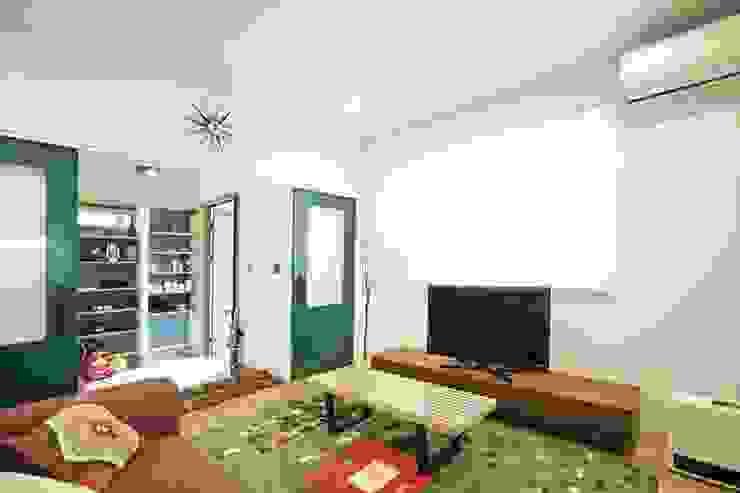 Salas de estilo  por ジャストの家, Moderno