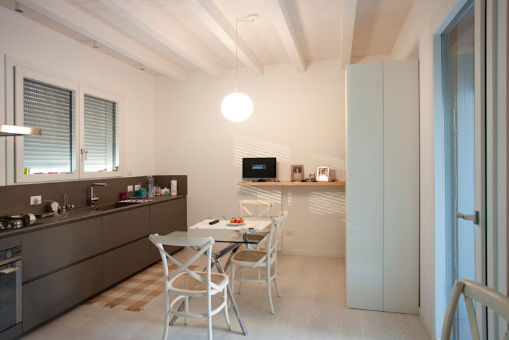 Minimalistische Küchen von CasaAttiva Minimalistisch