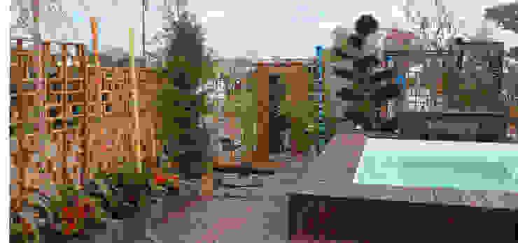 Comme par magie Balcon, Veranda & Terrasse originaux par Lechevallier stephanie Éclectique