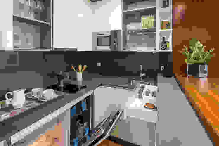 Cucina moderna di Ardes Arquitectos Moderno