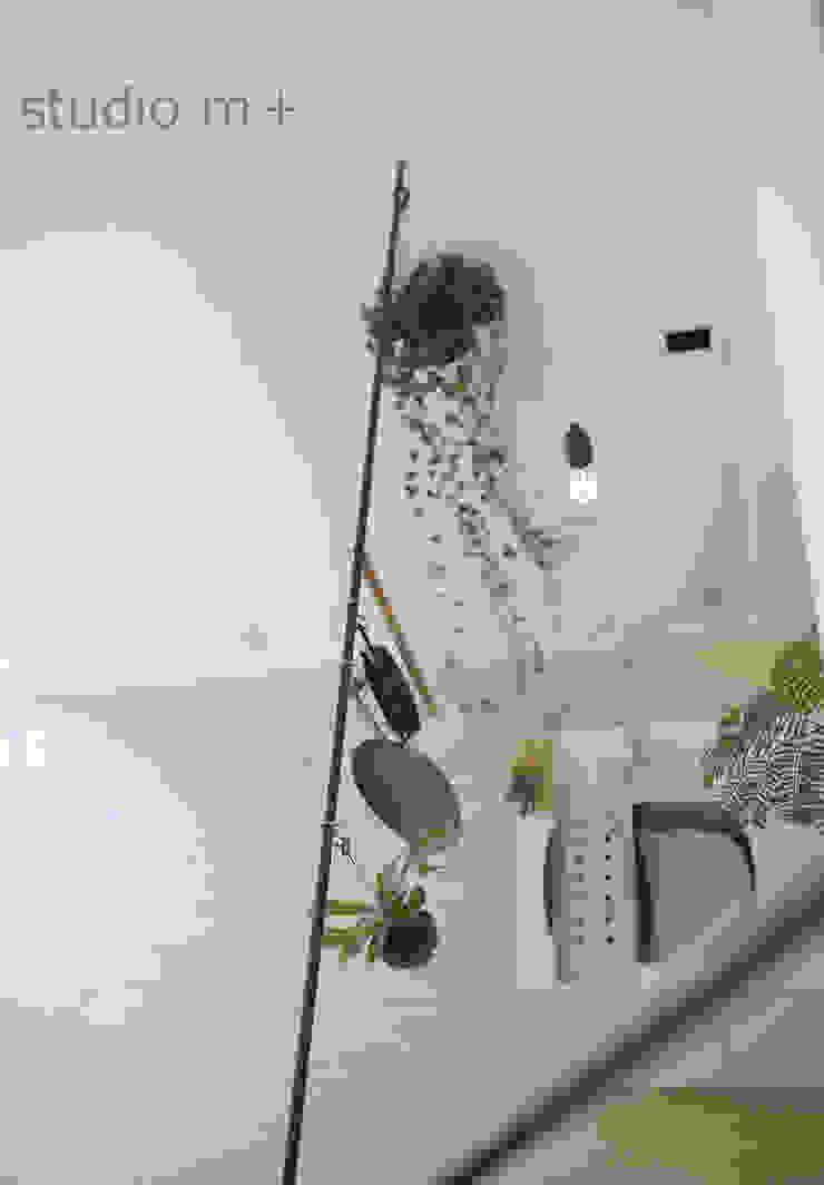 studio m+ by masato fujii Modern Corridor, Hallway and Staircase
