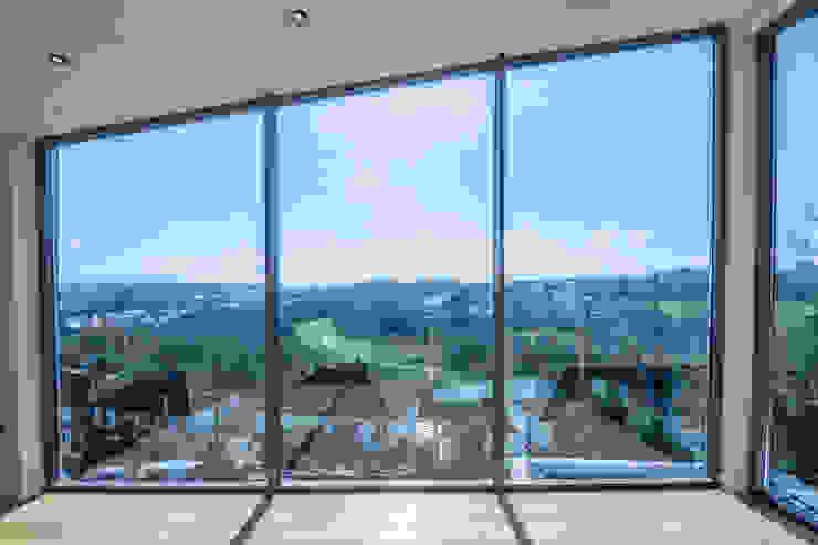 Mallards View, Devon Гостиная в стиле модерн от Trewin Design Architects Модерн