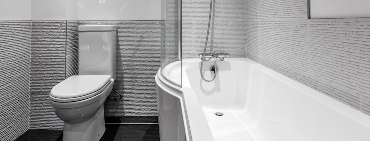 Mallards View, Devon Ванная комната в стиле модерн от Trewin Design Architects Модерн