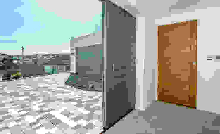 Mallards View, Devon Moderner Flur, Diele & Treppenhaus von Trewin Design Architects Modern