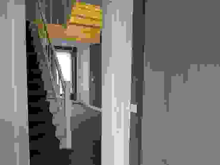 Hal: modern  door ARX-interieur, Modern