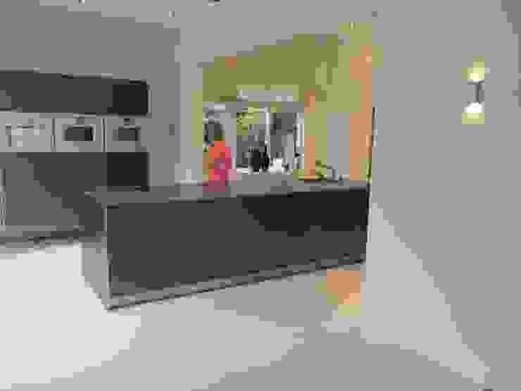 Bulthaup keuken: modern  door ARX-interieur, Modern IJzer / Staal