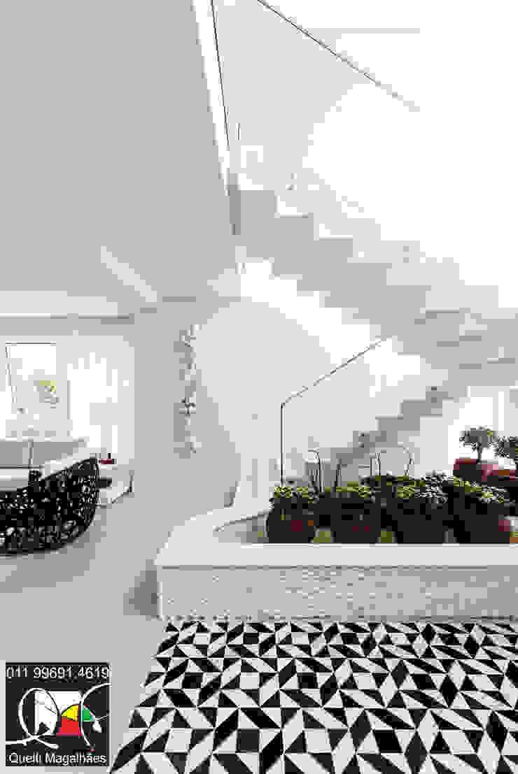 Hall Salas de estar modernas por Queiti Magalhães Arquitetura e Decorações Moderno